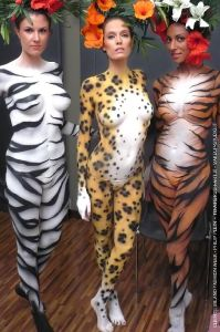 bodypainting_08_wildlife-tiger-zebra-leopard-body-painting-milan-fashion-show-catwalk