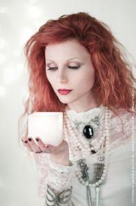 fashion-and-glamour_07_white-gothic-make-up-francesca