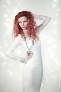 fashion-and-glamour_08_white-gothic-francy-albicans-fine-art-makeup